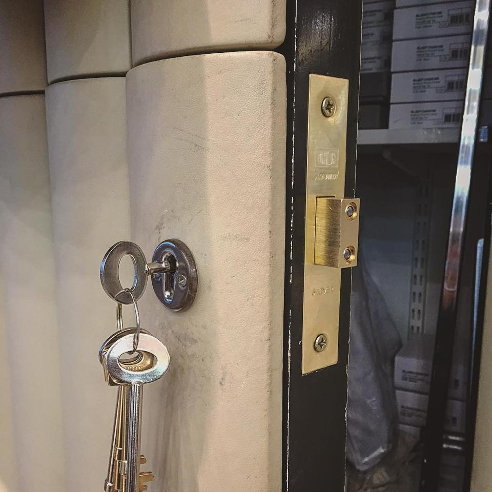 installing a 5 level mortice lock